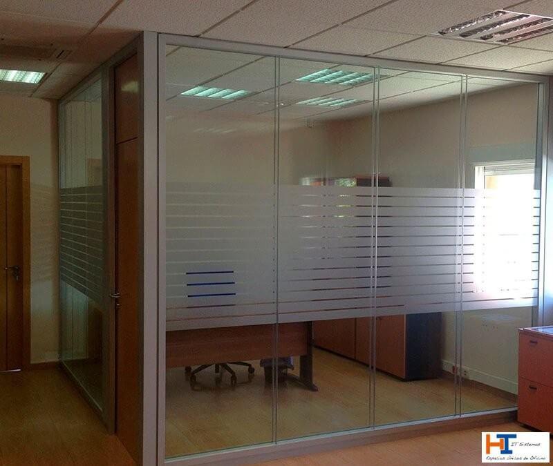 Las ventajas de instalar mamparas en tu oficina