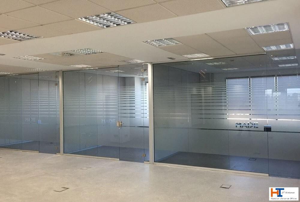 Mamparas de oficina en Majadahonda: ideales para crear ambientes diferentes